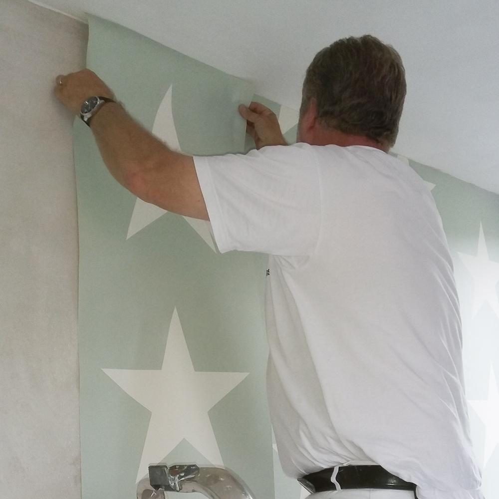 Behangen schildersbedrijf asten robert manders for Behang voor slechte muren